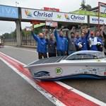 Tarolt a magyar egyetemi csapat: napelemes autóval versenyeztek