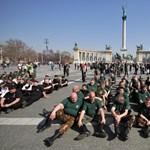 Galéria: Ilyen volt az ülő-térdelő gárdaavatás