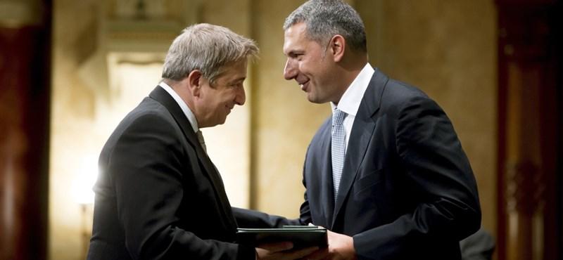 """Lázárék Bayer kitüntetésére: """"megérdemelte"""""""