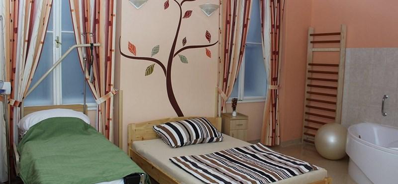 Gyönyörű szülőszoba nyílt a Semmelweis Egyetem klinikáján
