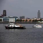 Magyarok is eltűntek egy kétéltű vízibusz balesetében