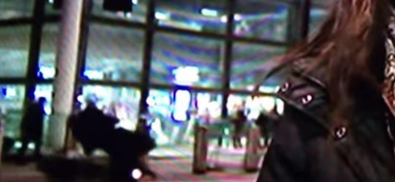 Élő adásban gázoltak el egy gyalogost - videó