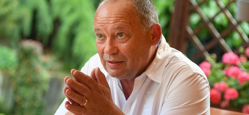 Megrovással megúszta Szanyi Tibor