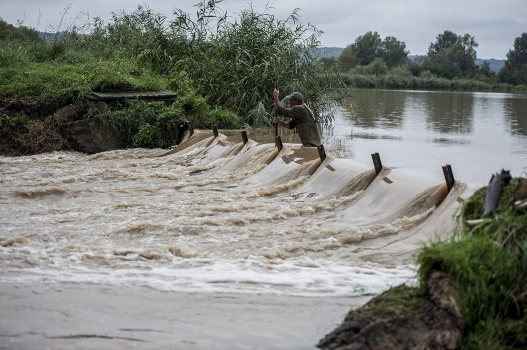 mti.14.09.14. - Alsómocsolád - árvíz, esőzés, eső