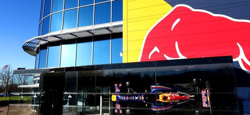Megúszta a Red Bull örököse, hogy részegen halálra gázolt egy rendőrt