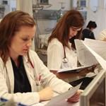 Schmitt Pál is maradásra buzdította az elsőéves orvostanhallgatókat