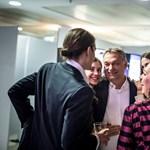 Családja ölelgette Orbánt a győzelem után – fotók