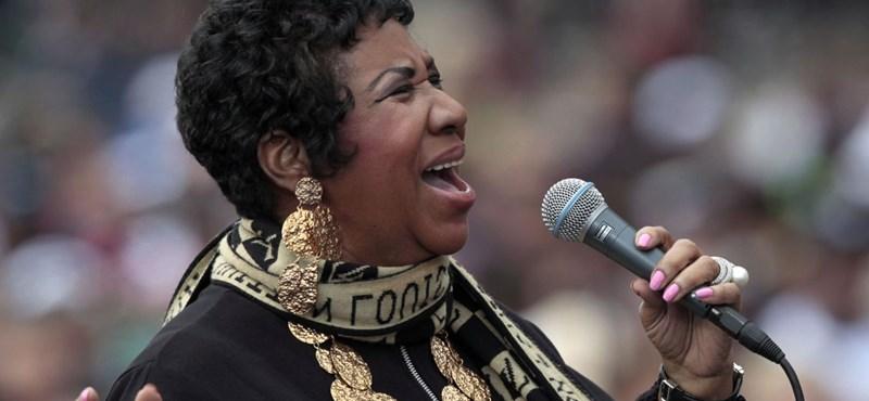 Zseniálisan tisztelgett Aretha Franklin előtt a Buckingham-palota őrsége