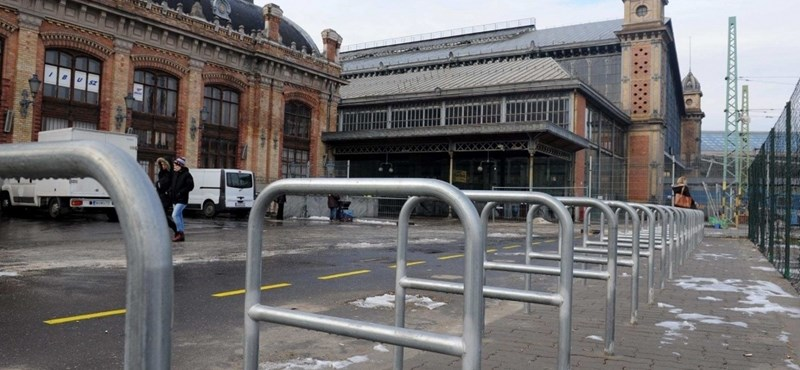 Megvertek egy férfit a Nyugati pályaudvar biztonsági őrei