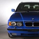 Eladó egy szuperritka 26 éves BMW M5 kombi