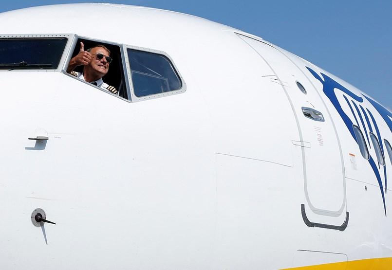 Nem a Wizz Airrel, inkább a dolgozóival hadakozik a Budapestről kivonuló Ryanair