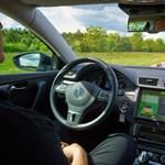 2025-től az autó önmagát vezeti majd az autópályán