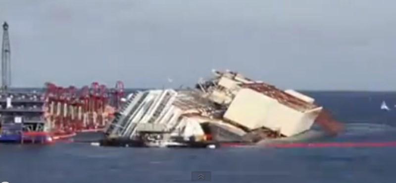 """""""Mit tettem! Mit tettem!"""" - a fejét fogta a katasztrófa idején Schettino kapitány"""