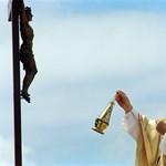 Ellopták II. János Pál vérét a kölni dómból