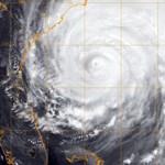 Gyengült az Irén hurrikán, de veszélyes - a Lufthansa járatokat törölt