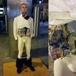 Kegyetlenül elbántak a beszélő Orbán-szoborral a Nyugati téren