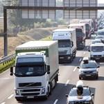 Újabb utakon kell útdíjat fizetni a teherautóknak októbertől