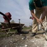 Financial Times: Egyre nagyobb gondot okoz a munkaerőhiány Közép-Európában