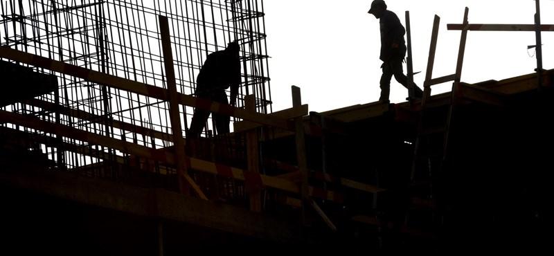 1326 forintos bruttó órabérért dolgoznak a magyar fizikai dolgozók