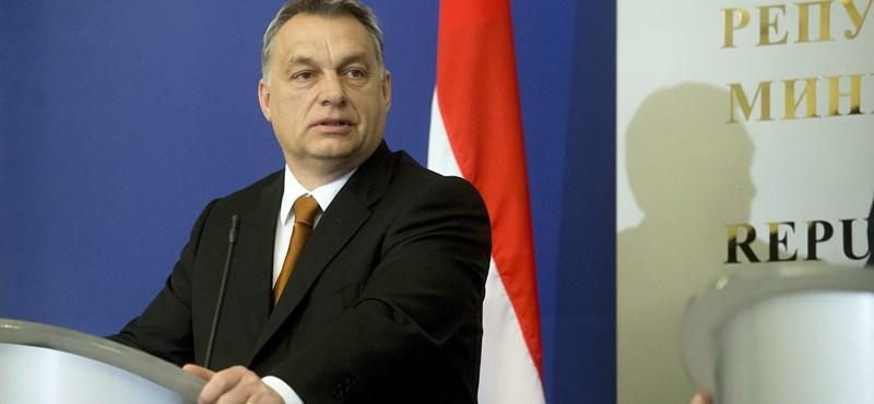 Orbán a nőket félti a migránsoktól