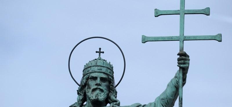 Szent Istvánra emlékeztek, de terrorizmusról, olimpiáról és bevándorlásról beszéltek a politikusok