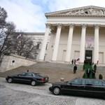 Orbán döntött: még több luxus a kormánynak