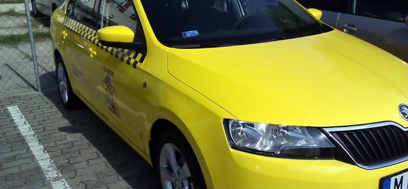 Csak az új taxisoknak kell fiatal autóval járniuk