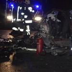 Hat halott Fegyverneknél: fotók jöttek a 4-es úton történt tragédiáról