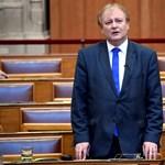 A volt oktatási miniszter is azt kérte a kormánytól, ne legyen hagyományos érettségi