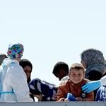 Halottakkal teli migránshajót emeltek ki a Földközi-tengerből
