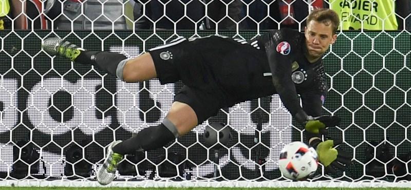 Manuel Neuer megint lábát törte
