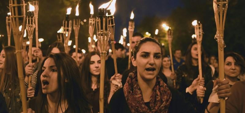 A tüntetések hatására lemondott az örmény miniszterelnök