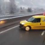 A nap videója: A dugó miatt megfordult az autópályán és szembement a többiekkel