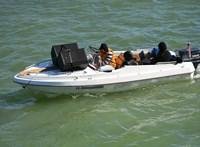 Megtalálták a csónakot, amivel megzavarták Karácsony programbemutatóját