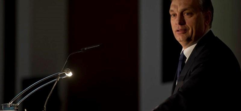 """""""Orbán politikájával sérti a nemzetközi tőke érdekeit"""""""