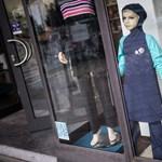 EJEB: Úszniuk kell a muzulmán lányoknak a többi diákkal