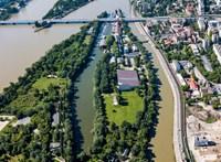 Új nagyberuházással vennének el még több területet a Dunától