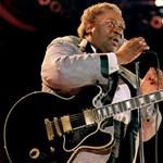 A színpadon lett rosszul a blues 89 éves királya
