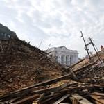 Megugrott a nepáli földrengés halottjainak száma