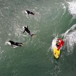 Olimpiai sportág lehet a hullámlovaglás és a gördeszkázás is
