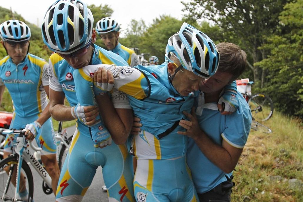 Tour de France 2011 - Nagyítás - A másik emlékezetes bukás a kazah Alexander Vinokourov nevéhez fűződik: az Astana versenyzője combcsontját törte