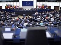 Kiszámoltuk, mennyit keresnek a magyar EP-képviselők. Szép nagy szám jött ki