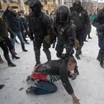 Folyik a megtorlás a Navalnij melletti tüntetések miatt