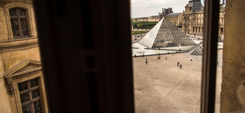 Mitterrand szeretője szorgalmazta a Louvre-üvegpiramis építését?
