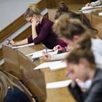 Állami ösztöndíjas képzés: itt vannak a legfontosabb feltételek