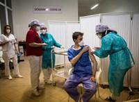 Népszava: 717 ezer felnőtt nem szerepel az oltási tervben