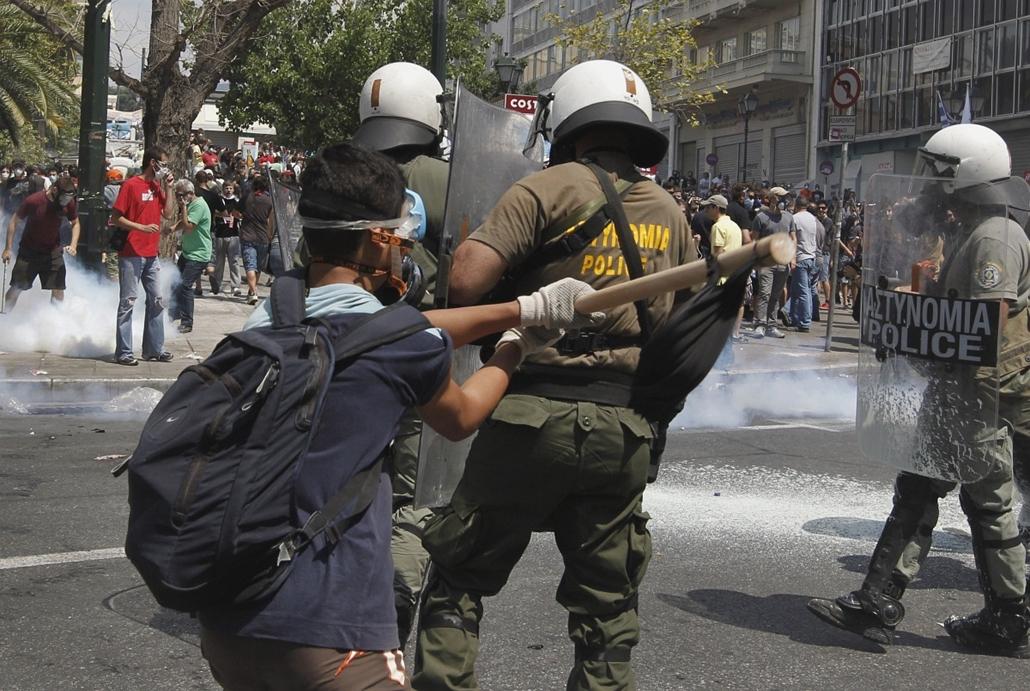görögország utcai harcok athén nagyítás