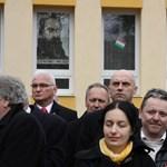 Vitára hívta Orbánt az MSZP elnöke