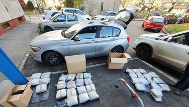 Videó: Harmincöt kiló marihuánával a kocsijában bukott le egy férfi Kőbányán