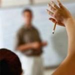 Tanárok fizetés nélkül: trükkös szerződésekre figyelmeztet a PDSZ